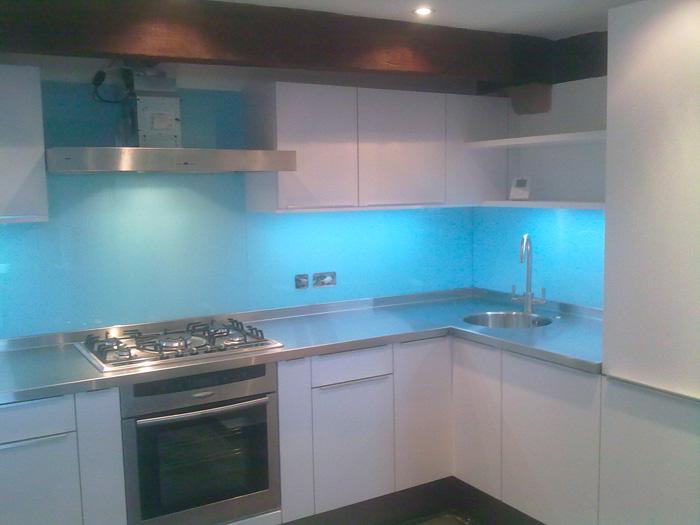 glass splashbacks essex kitchen splashbacks maldon. Black Bedroom Furniture Sets. Home Design Ideas